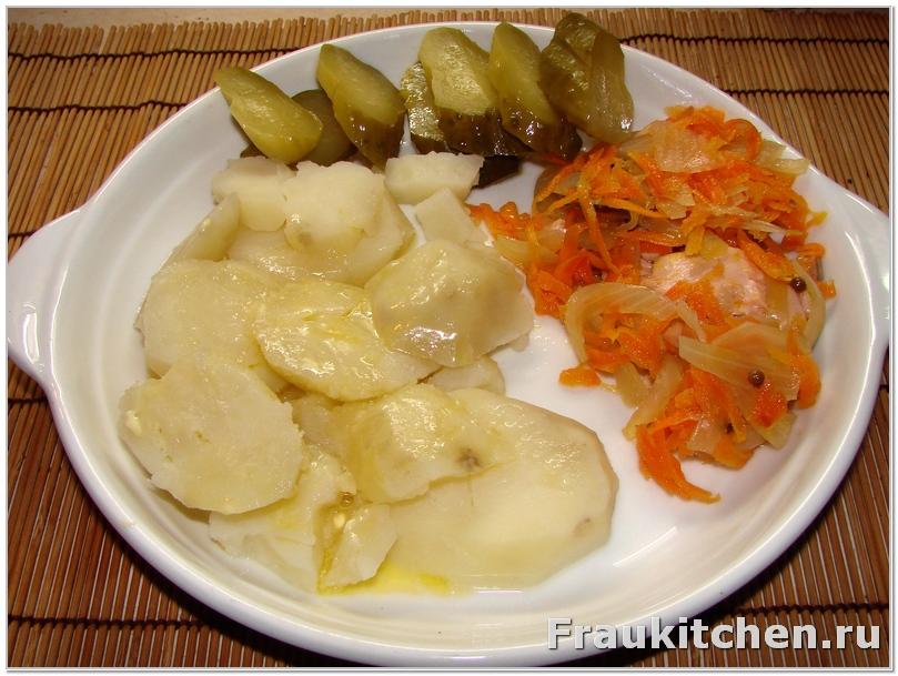 Вареная картошка подходит к  рыбе под маринадом