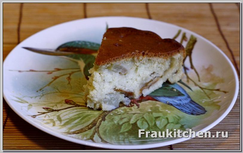 Кусочек пирога с грушей и розмарином