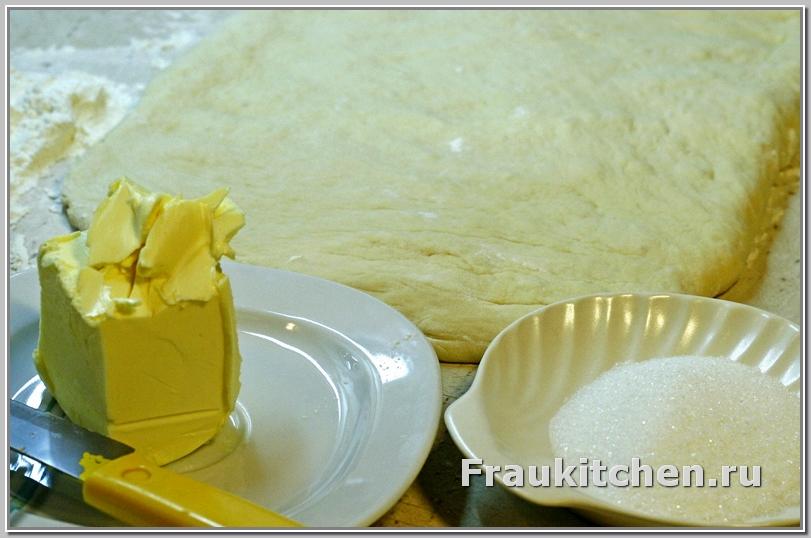 Масло для свердловской слойки должно быть мягким