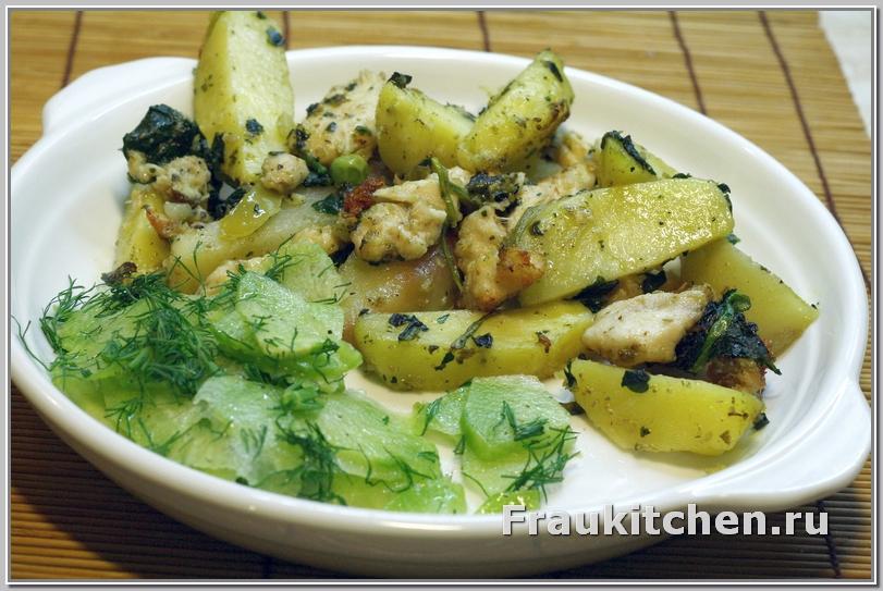Зеленая редька дополняет вкус запеченого картофеля