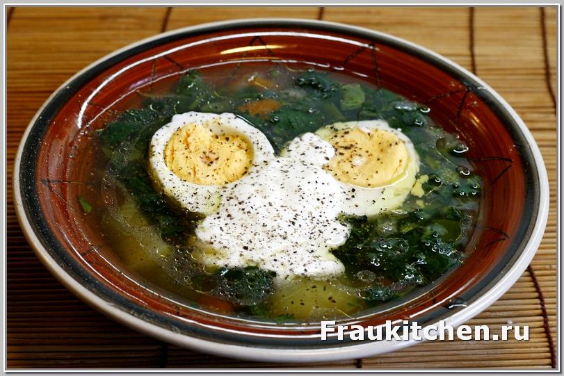 А некоторые любят овощной суп из крапивы обильно поперчить
