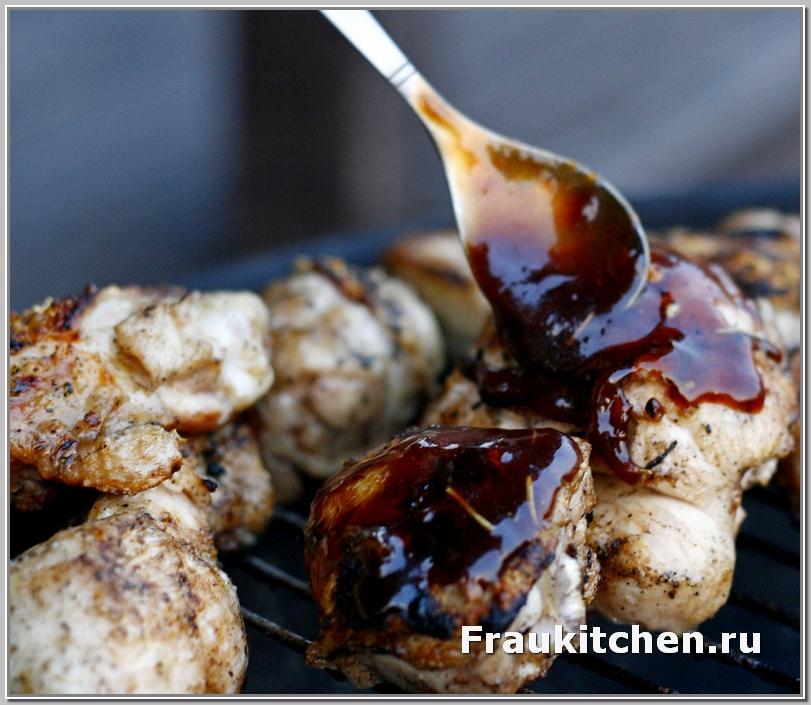 Глазурь для курицы барбекю наносить тонким слоем