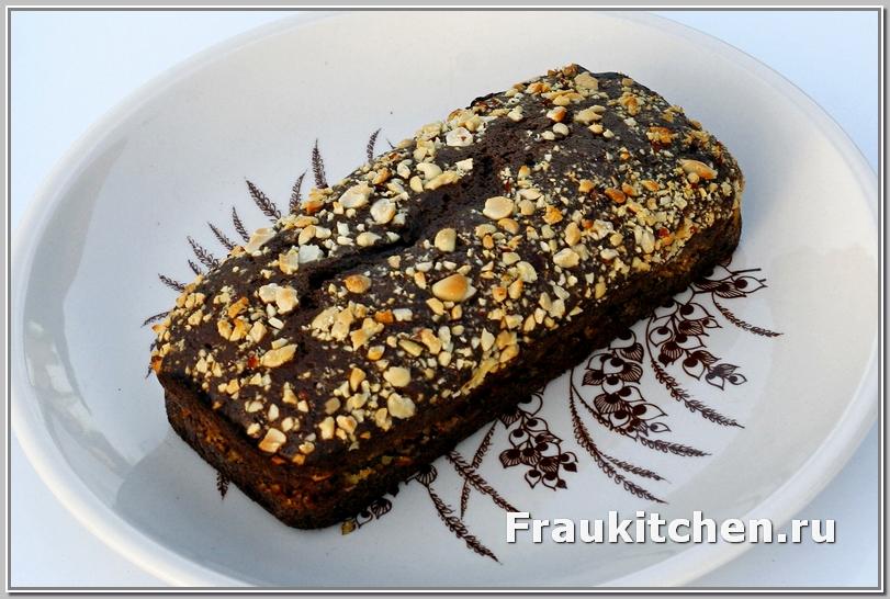 Шоколадный кекс  с каштановой начинкой пропекается хорошо