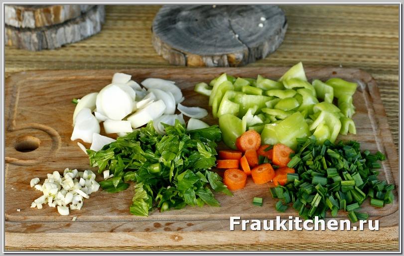 Кусочки овощей должны быть соизмеримы с картофелем