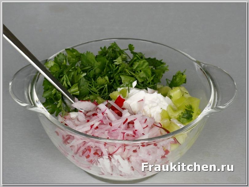 Салат с редиской хорош для бутербродов
