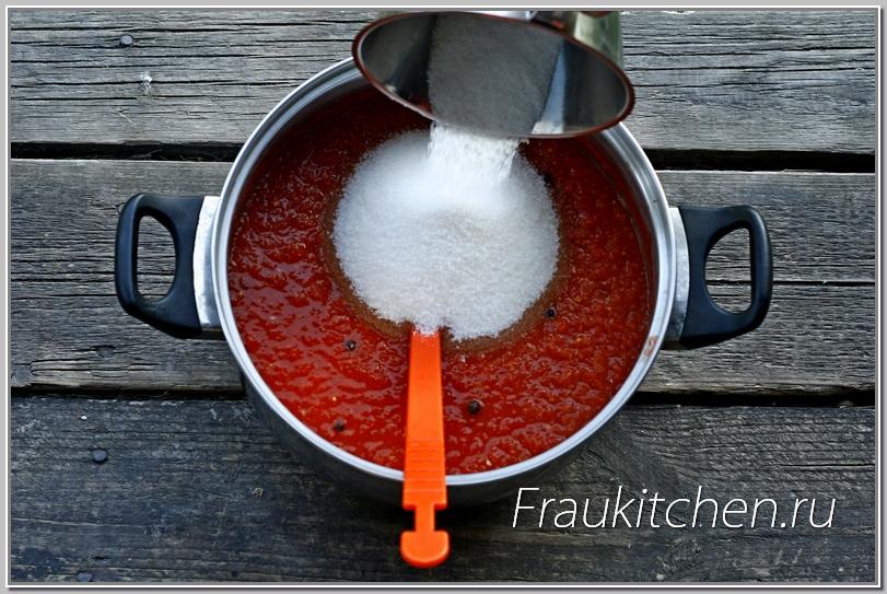 Соль для томатного соуса я использую только каменную