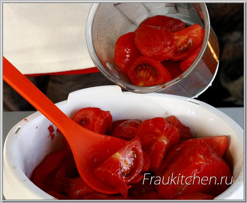 Для меня это самый удобный способ измельчения помидоров