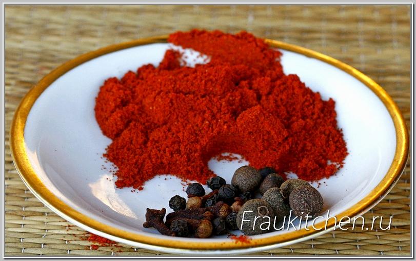 Паприка придаст томатному соусу подкопченную сладость
