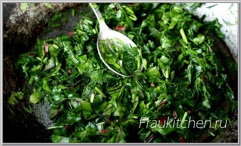 лепить ньокки легче с мягким шпинатом