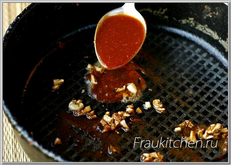 В смеси соуса с чесноком и имбирем будет прогреваться цветная капуста