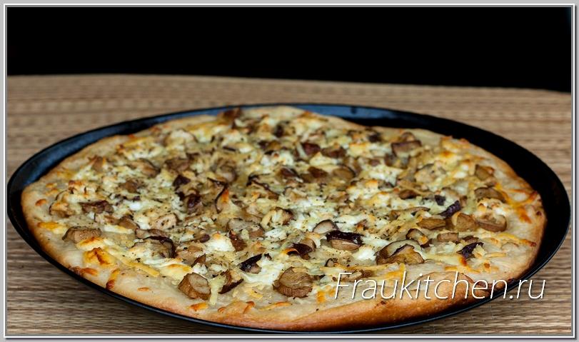 Ну вот, пицца с белыми грибами и готова