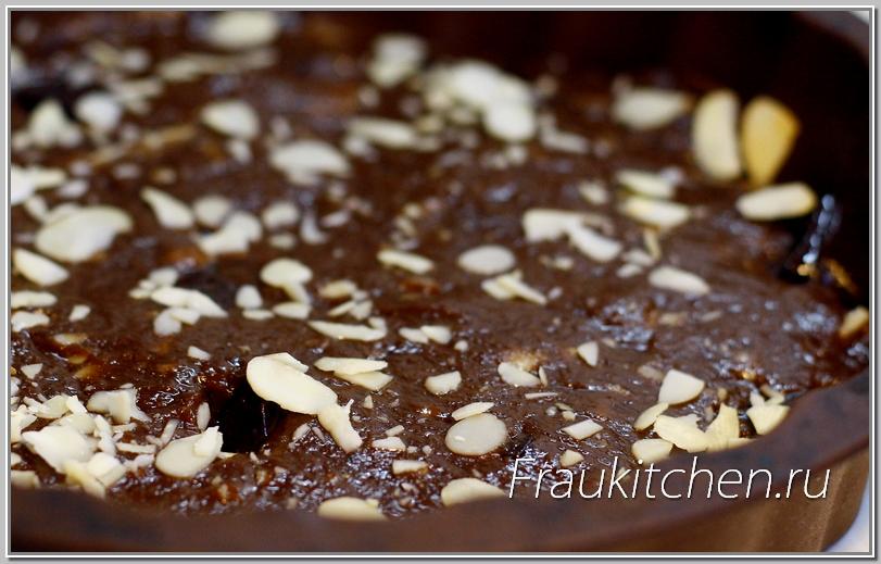 Кусочки шоколада должны быть полностью покрыты тестом