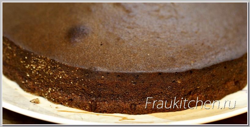 Пористая структура шоколадного торта
